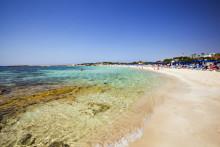 Ny strandpromenade og marina i Ayia Napa