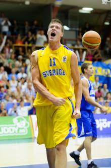 NBA-spelaren Jonas Jerebko spelar basket-EM för Sverige