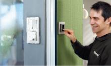 Schneider Electric kokosi yhteen sähköurakoitsijan 100 tärkeintä tuotetta
