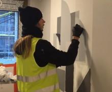 Från jagad graffitimålare till hyllad konstnär i HSB brf Studio 2 i Örgryte Torp.