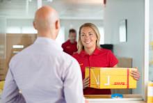 DHL Service Point integreras i europeiskt paketnätverk – kommer att byta namn till DHL Parcelshop