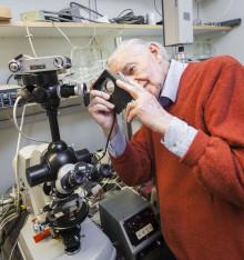 Tekniken bakom mästerfotografen Lennart Nilssons bilder till Tekniska museet