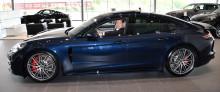 Limiterad lyx – Pontus Frithiof i nytt samarbete med American Express och Porsche