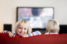 Nordmenn samler seg mer rundt TV-en