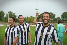 Viva con Agua Allstars Fußballspiel: Kicken mit Metzelder, Sarpei, Adrion und OK KID