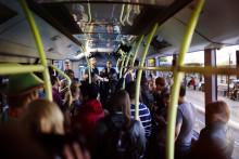 Seinabo Sey överraskade med konsert på elbussen