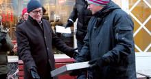 Hanna Öberg och Erik Westberg tilldelas varsin stjärna på gågatan i Piteå