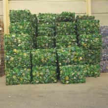 Persbericht: We recycleren slechts de helft van onze plastic flessen