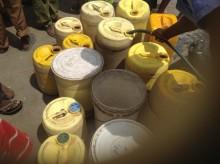 Familjer drabbade av torkan får mat och vatten