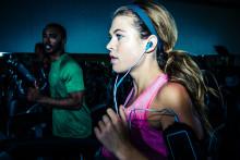 JBL lancerer sportshøretelefonerne JBL Synchros Reflect og JBL Synchros Reflect BT