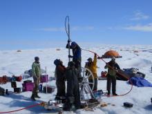 Grönländsk is ger svar om vattnets rörelser