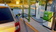 Så här enkelt tankar du världens smartaste drivmedel - biogas!