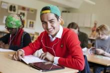 Nytt undervisningsmaterial för nyanlända används redan i 120 kommuner