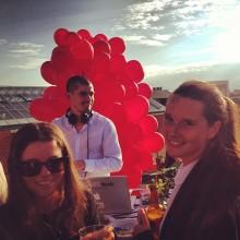Ballongsläpp, liveband & strålande sol – Vi på Mynewsdesk tackar alla som kom på vår årliga AW!
