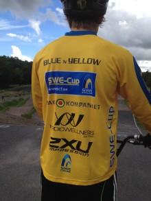 Filip Svanberg fortsätter köra BMX-race i ledartröjan