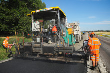 Peab Asfalt får förnyat förtroende att underhålla vägarna till Trafikverket i Stockholm