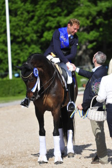 De rider för Carl Hester under clinicen på Ridskolan Strömsholm