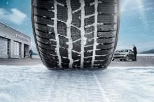 Ny undersøgelse fra Mercedes-Benz: Unge bilejere skifter for sent til vinterdæk