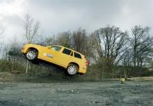 Konsten att förvandla en nöjesattraktion till entestmetod för avåkningsolyckor på Volvo Cars