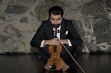 Urpremiär Den ostämda violinisten - av och med Pedram Shahlai