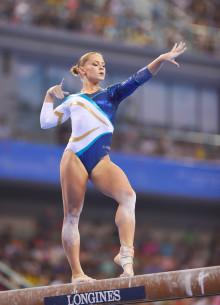 Veronica Wagner fyra i bom och Emma Larsson sexa i fristående i World Challenge Cup i artistisk gymnastik