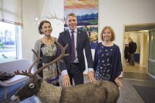 Biträdande finansminister Per Bolund besöker Polarbröds bageri i Älvsbyn