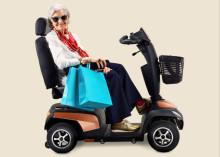 Invacare introducerar vår nya Orion & Comet scooter-familj – Alltid med stil!