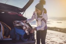 Lösa föremål i bil kan bli livsfarliga, ändå är det vanligt att förare slarvar visar ny undersökning