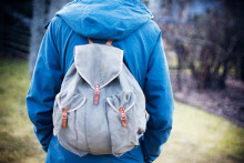 Emrika till Stefan: Den tomma ryggsäcken är allt han fick med sig