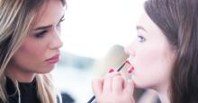 Så kan du få gratis hjälp av makeupartister!