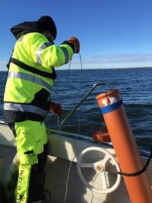 Trollhättan Energi gör provtagningar på Vänerns råvatten