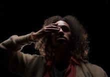 Dansföreställning med mänskliga farkoster och tystnadens brus