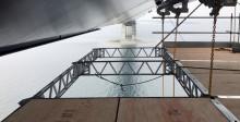 Unikt foldestillads hængt op i 60 meters højde under Storebælt