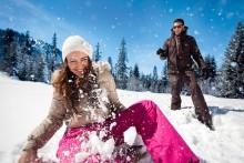 Wenn der Schneeball ins Auge geht - Rechtstipps rund um den Spaß im Schnee und auf dem Eis