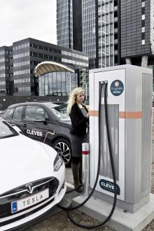 Ny hurtiglade-station med tre stik ved Crowne Plaza Copenhagen Towers