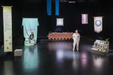 Gunilla Heilborn i komisk föreställning om vårt minne