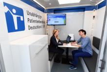 Beratungsmobil der Unabhängigen Patientenberatung kommt am 13. April nach Riesa.