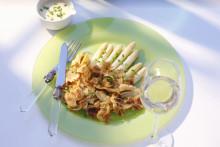 Hvit asparges – sommeren har kommet!