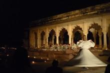 Mystik med dansande dervischer från Damaskus