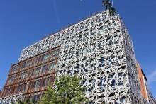 Magnentus Tower sticker ut med unik fasad