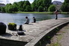 Fira världsturismens dag - dra upp fredagsmiddagen ur Eskilstunaån