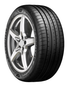Goodyears ultimate allrounder: nye Eagle F1 Asymmetric 5 kombinerer luksuriøs komfort med overlegen bremsing på vått underlag og håndtering på tørt underlag.