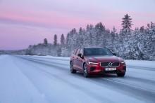 Volvo Car Sverige tar hem segern i februari - laddhybriderna ökar