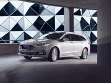 Ma Brüsszelben bemutatkozik a megújult Ford Mondeo különleges, új hibrid hajtású kombi változata