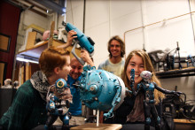 Svensk sci-fi, latexdesign och kul på jobbet