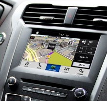 Ford SYNC umožní promítat aplikace z chytrého telefonu na palubní obrazovku; jako první nabídne tuto možnost slovenská navigace Sygic