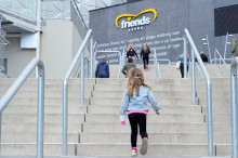 Solna stad lämnar ägandet i Friends Arena