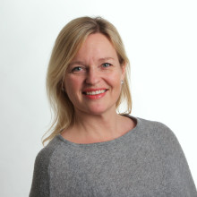 Familjeterapeuterna Syd i Eksjö på småländska höglandet hälsar familjerådgivare Pernilla Jennervall välkommen.