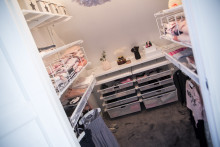 Walk-in-closetdröm för två små flickor