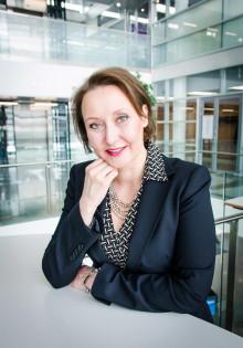 """SAP:n Suomen-maajohtaja Taira Tepponen: """"It-ala kaipaa naismyyjiä"""""""